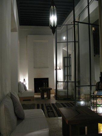 Riad Dar-K: Nachts in der Lounge