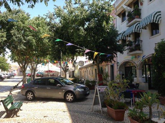 Aquarela do Brasil: Durant le service, le véhicule du patron n'obstruait pas la terrasse du restaurant