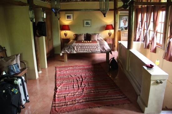 BALQUISSE Heritage Hotel: chambre reposante et depaysante