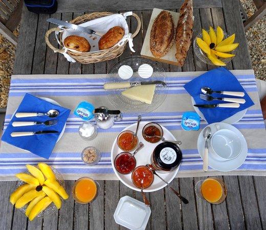 Le Moulin des Fumades : copieux petit déjeuner