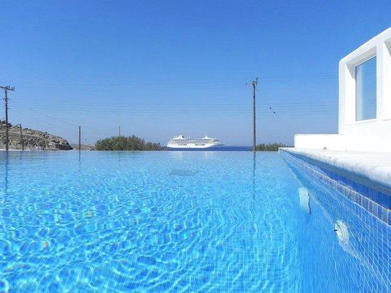 Akti Irini Hotel : piscina infinita