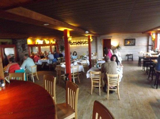 Walkers Mediterranean Restaurant: Inside Walker's