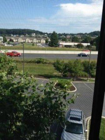 Courtyard Harrisburg West/Mechanicsburg: View of highway