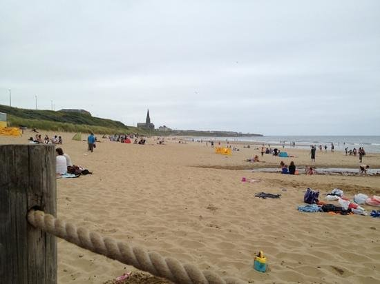 Long Sands Beach : Sitting at Crusoe and watching life goes by!