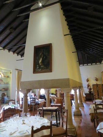 Restaurante Cozinha Velha: Schoorsteen in de keuken van het paleis