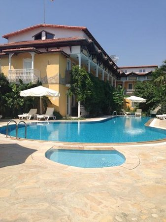 Central Park Hotel: A relaxing place,with excellent food