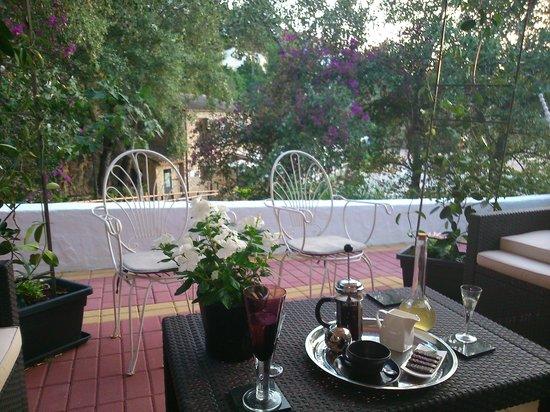 Casa Calleja : Coffee on the terrace
