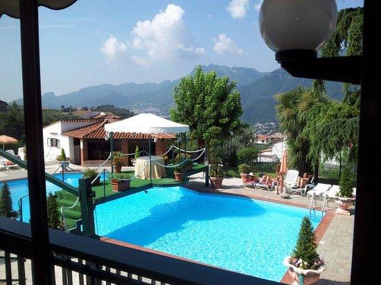 Hotel Diecimare: piscina