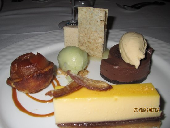 Opus Restaurant: Shared dessert