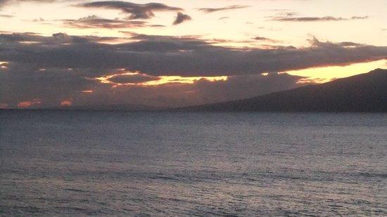 Paki Maui Resort: sunset