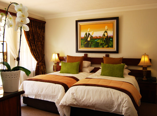 Afrique Boutique Hotel Oliver Tambo: Two Three Quarter beds