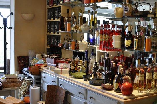 Le Pâtissier du Château: inside the tea room