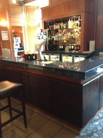 Hellaby Hall Hotel: bar