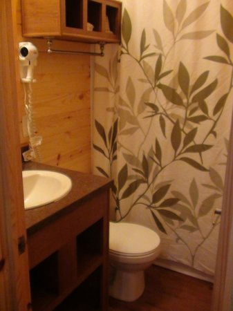 Boston/Cape Cod KOA: Bathroom