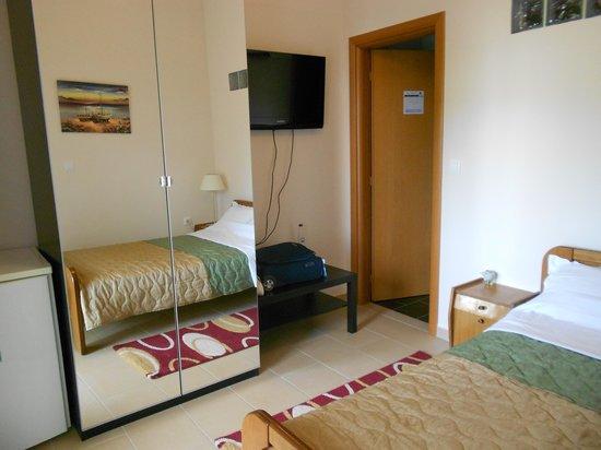 Hotel Athanasia: La mia stanza 2