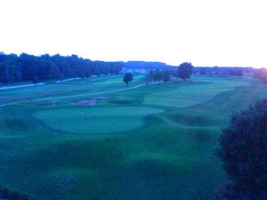 Crown Pointe Lodge: View from our balcony of the 11th tee box