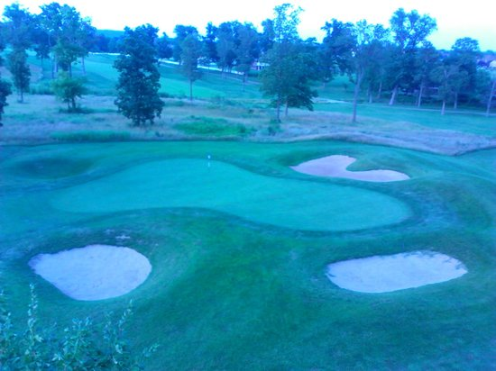 Crown Pointe Lodge: The 10th hole green