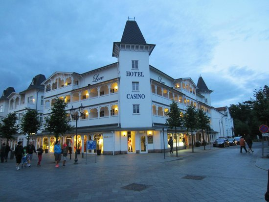 Loev Hotel Ruegen: Loev front