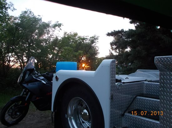 Battleford, Kanada: A nice evening camped by the lake