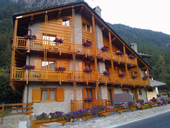 L 39 hotel picture of hotel le bouquet cogne tripadvisor for Bouquet hotel