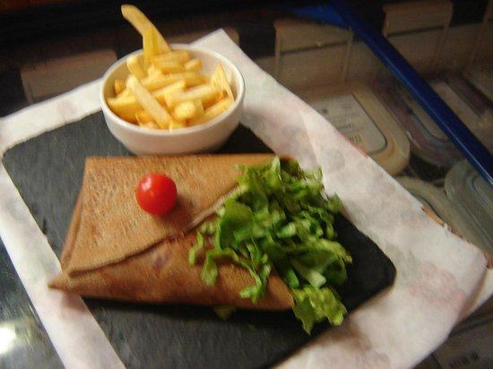 Crêperie Restaurant Saint Patern : le bigouden burger une de nos spécialité