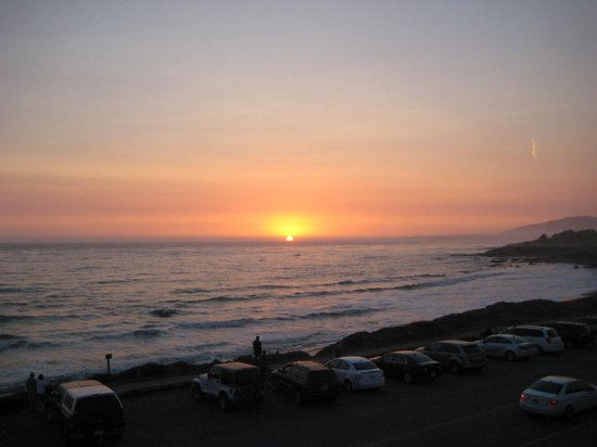 Sand Pebbles Inn : Anniversary Sunset from 218