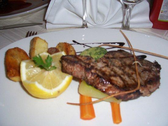 Il Girna Restaurant: Grilled Tuna Staek