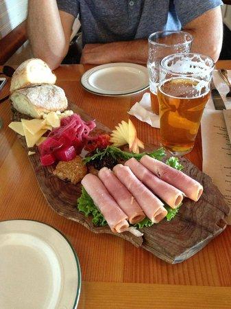 Cask and Schooner Public House & Restaurant: Ploughman's lunch and beer