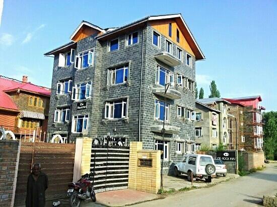 De Rock Inn: in kursu Rajbagh