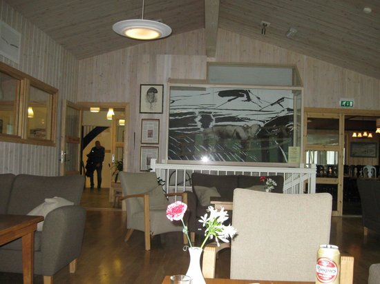 Gjendesheim Turisthytte: Lobby/sitting area.