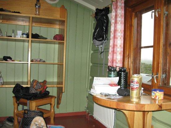 Gjendesheim Turisthytte: In our little bunk room.