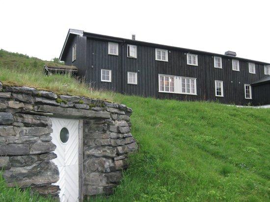 Gjendesheim Turisthytte: One of the bunk houses.