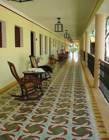 Hotel Hacienda Uxmal Plantation & Museum : La terrasse