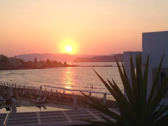 Ammos Hotel: sunset view from terrace outside garden view room 31