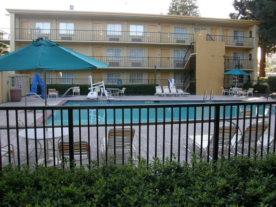 La Quinta Inn Sacramento Downtown: pool area