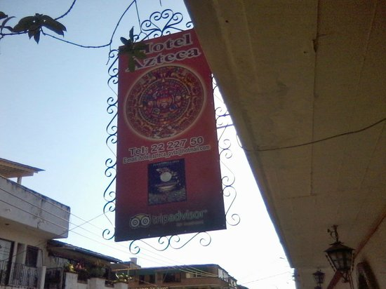 Azteca Hotel: Marquee on Madero