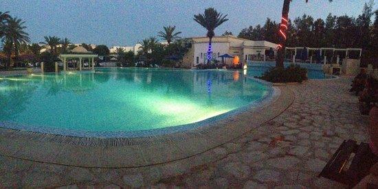 Hotel Almaz: Décoration de la piscine pour le 14 juillet