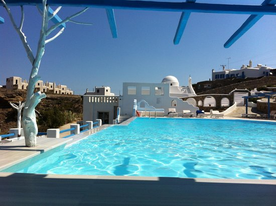 Mykonos Star: A view of the pool and landscape