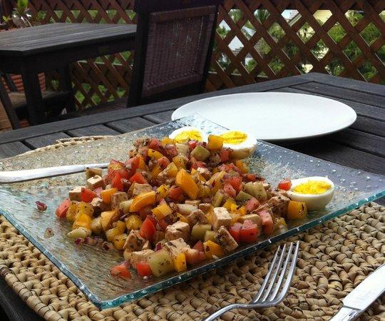 Shannas Cove Resort Restaurant: Greek Salad at lunch