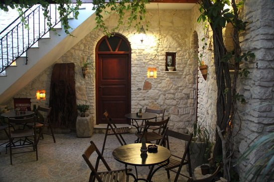 Cretan Villa Hotel & Apartments : cortile