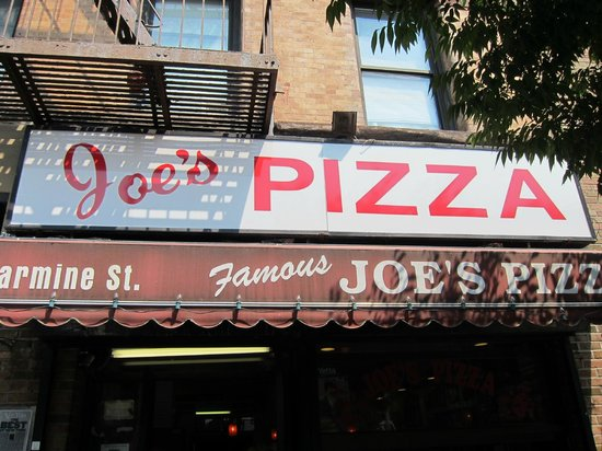 Joe's Pizza - Carmine St : Joe's Pizza (exterior)