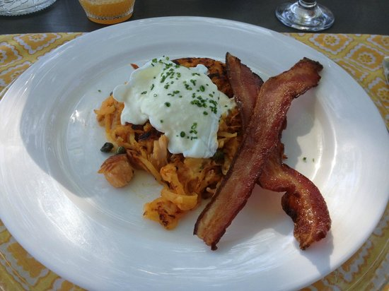 The Inn At Abeja: Smoked Salmon hash with bacon & poached egg