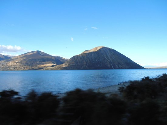 Lake Ohau Lodge: The drive in