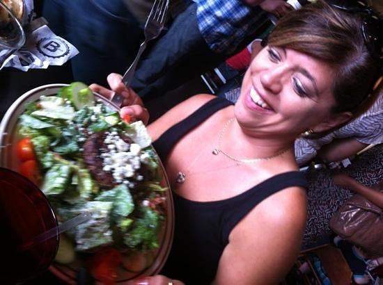 B Spot Burgers: yummy salad!