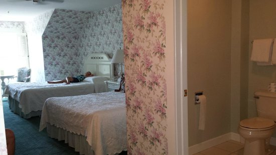 Harbour View Inn: Room 3402