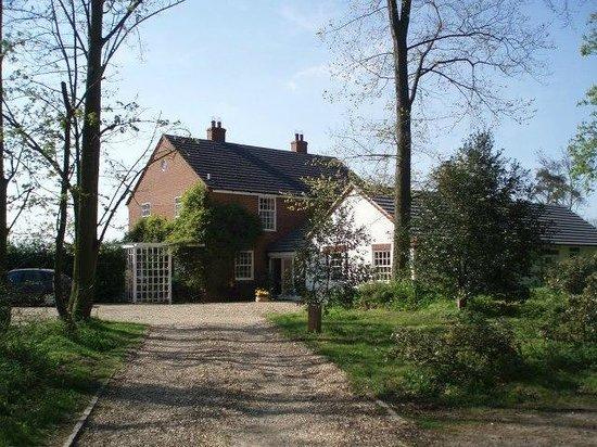 Hall Farm B&B: modern farmhouse with ground floor annex overlooking walled garden