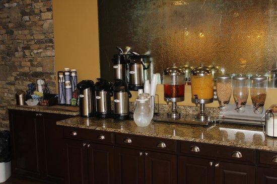 Best Western Newport Inn : Breakfast Buffet; Juice/Coffee/Milk,Pastries