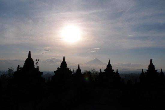 Candi Borobudur: sunrise