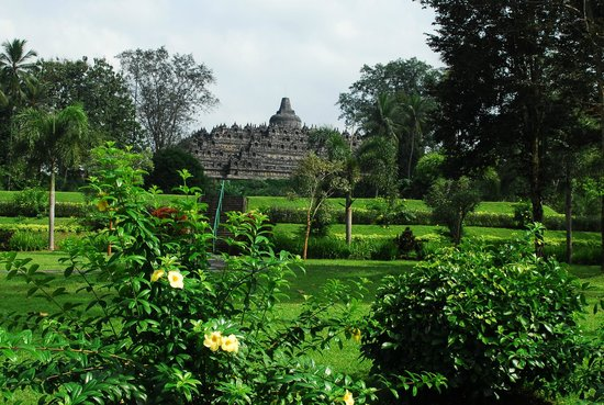 Candi Borobudur: View of the temple