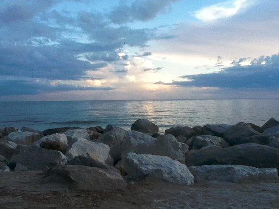 Ramada Venice Hotel Venezia: South Jetty Beach sunset